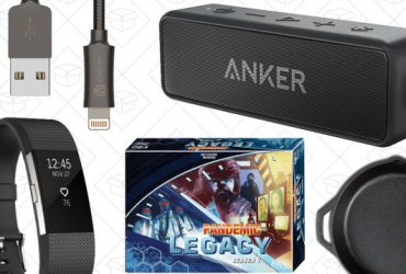 Today's Best Deals: Anker SoundCore 2, Fitbit Father's Day Sale, Metal Lightning Cable, and More